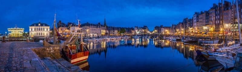 Honfleur Normandië mag 5de 2013: Panorama bij schemer van B royalty-vrije stock foto