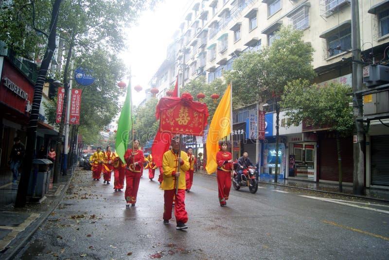 Hong Jiang, Китай: пожененная команда невесты стоковые изображения rf