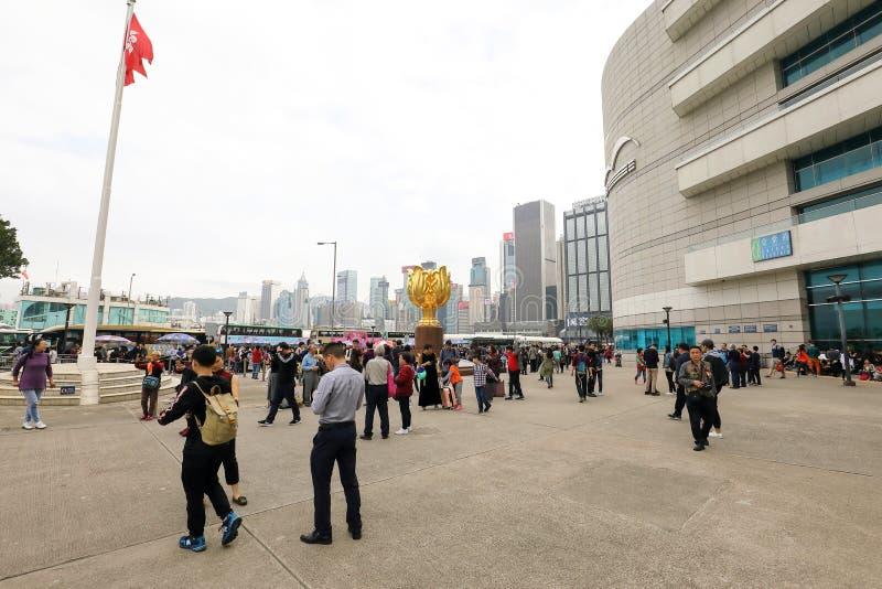 HONG KONG- 19-ое февраля 2018 - ЗОЛОТОЙ КВАДРАТ BAUHINIA названный позже стоковые изображения
