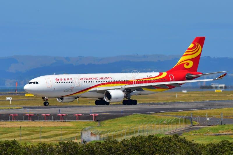Hong Kong Airlines Airbus A330 roulant au sol à l'aéroport international d'Auckland photo libre de droits