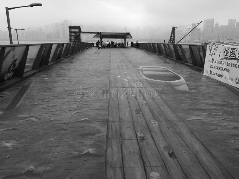 Hong Kong Boardwalk Black et blanc photo stock