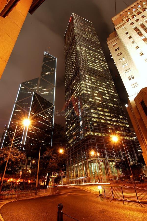 Hong Kong Central am Nachtbankgebäude lizenzfreie stockbilder