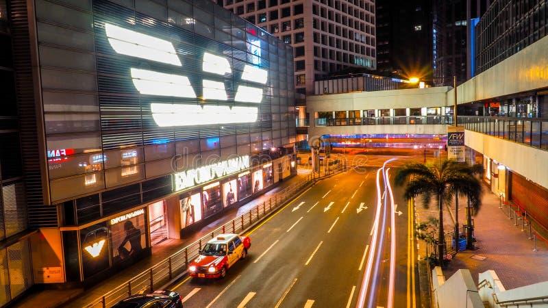 HONG KONG, CHINA 10 DE DEZEMBRO DE 2016: Loja do Emporio Armani A linha do Emporio Armani tem um de alta qualidade na roupa luxuo imagens de stock