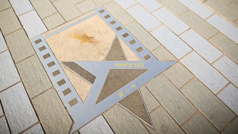 Hong Kong, China - 1 de enero de 2016: Estrella Bruce Lee en la costa en Hong Kong La avenida famosa de la fama de Hong imagen de archivo libre de regalías