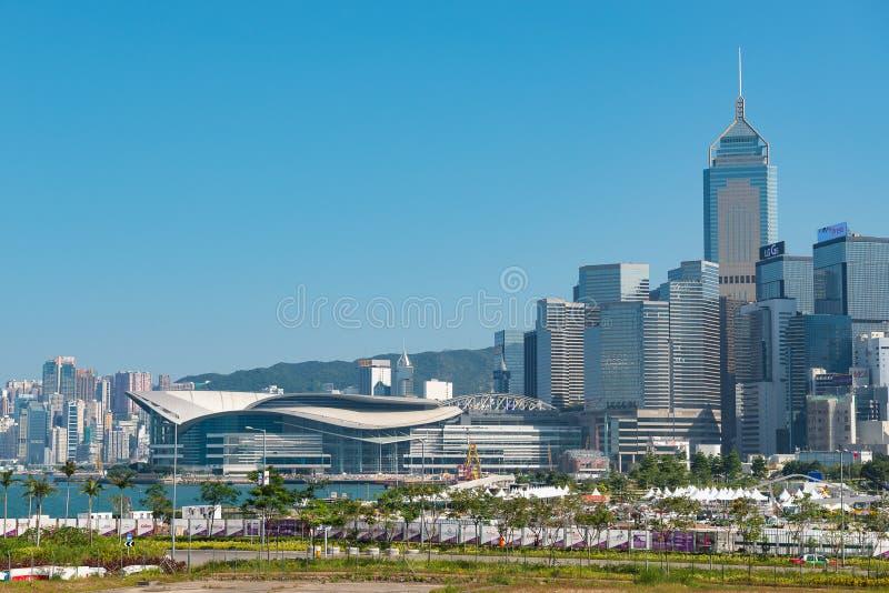 HONG KONG, CHINA - 1? de novembro de 2017 Skyline do centro de Hong Kong e de Hong Kong Convention e de exposição no dia imagem de stock royalty free