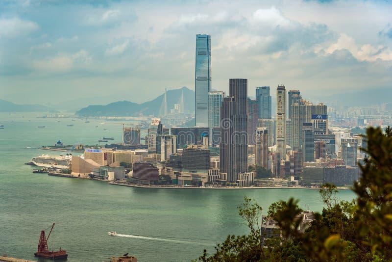 Hong Kong, China - Panoramisch vooruitzicht van de stad stock afbeeldingen