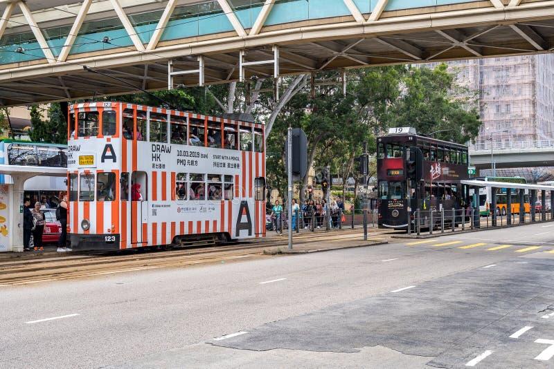 Hong Kong, Chine - trams célèbres d'autobus à impériale photos stock