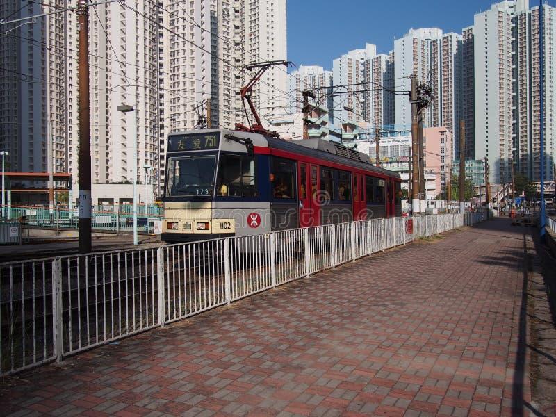 Hong Kong Chiny, Listopad, - 18 2015: LRT jest lekkim systemem kolejowym działającym MTR Korporacja, słuzyć Tuen Mun, Yuen i Blas obraz stock