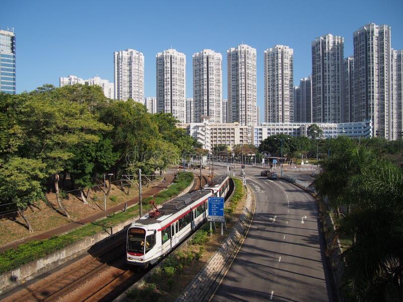 Hong Kong Chiny, Listopad, - 18 2015: LRT jest lekkim systemem kolejowym działającym MTR Korporacja, słuzyć Tuen Mun, Yuen i Blas fotografia royalty free