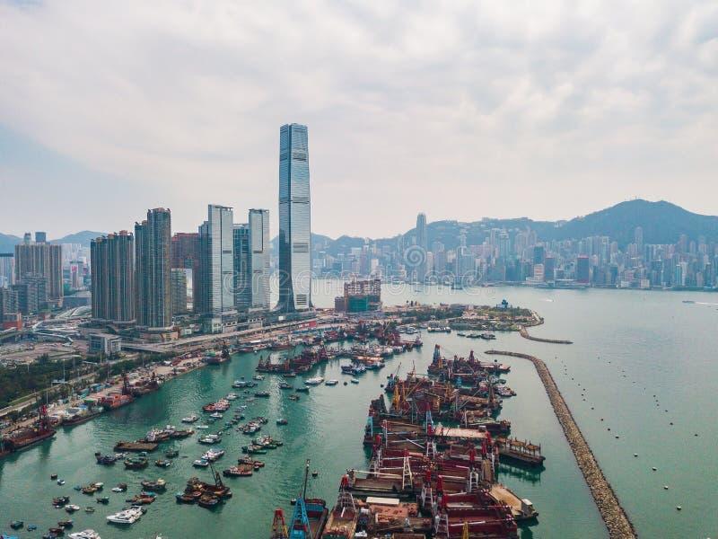 Hong Kong City à la vue aérienne dans le ciel photo stock