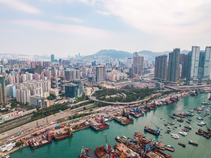 Hong Kong City à la vue aérienne dans le ciel photos stock