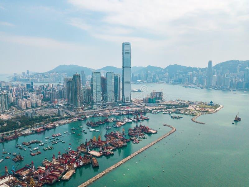 Hong Kong City à la vue aérienne dans le ciel photographie stock libre de droits