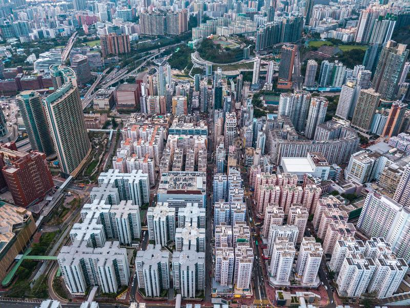 Hong Kong City à la vue aérienne dans le ciel image stock