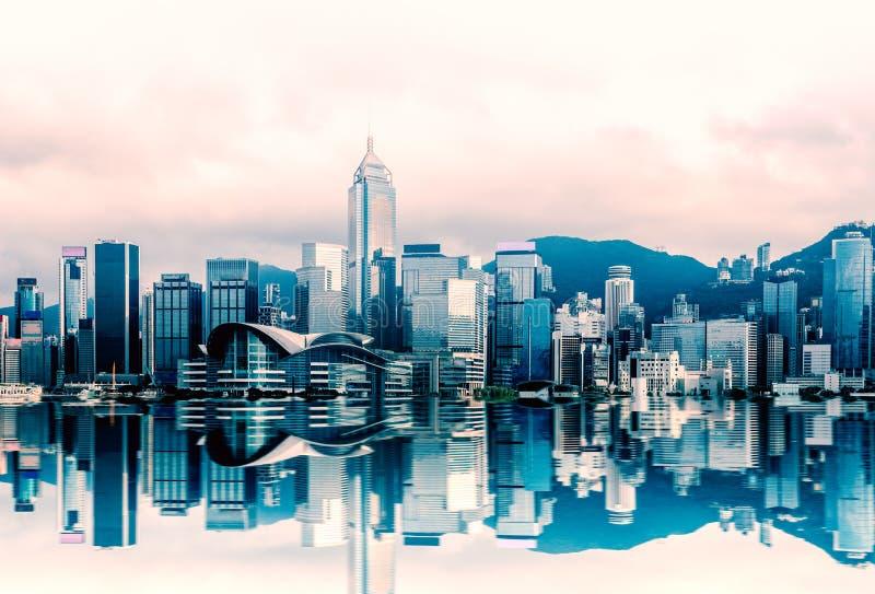 Hong Kong-cityscape in Victoria Harbour, Weergeven van Sterveerboot, kowloon stock fotografie