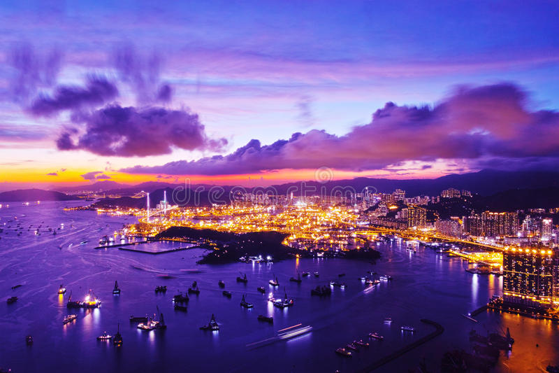 Hong Kong Container Terminal la nuit photos libres de droits