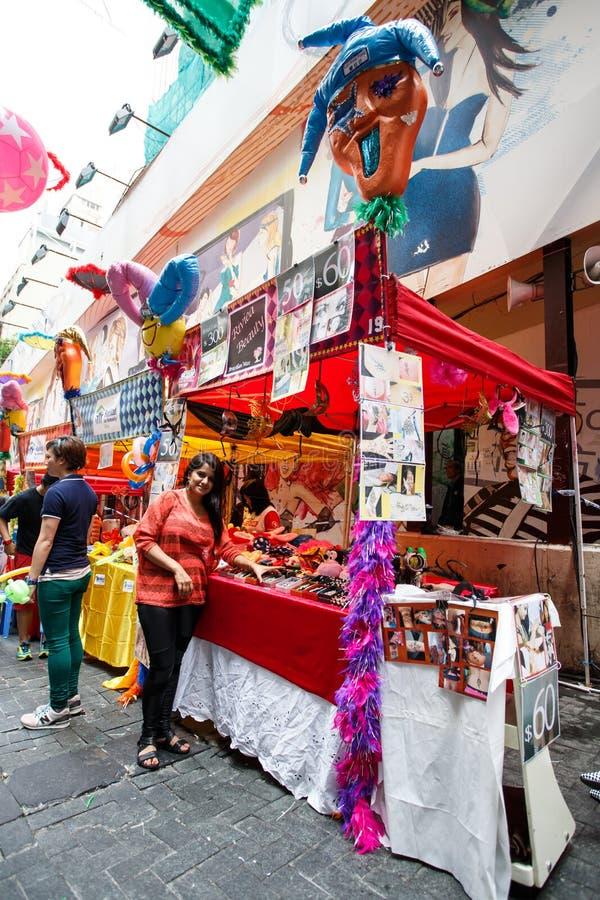 HONG KONG - 26 DE NOVEMBRO DE 2013: O LKF ocupado (Lan Kwai Fong Festiv fotografia de stock