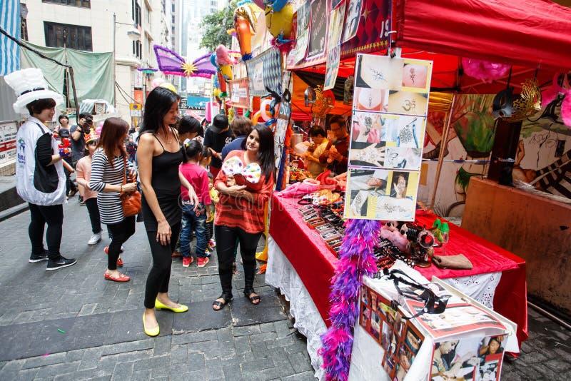 HONG KONG - 26 DE NOVIEMBRE DE 2013: El LKF ocupado (Lan Kwai Fong Festiv fotos de archivo libres de regalías