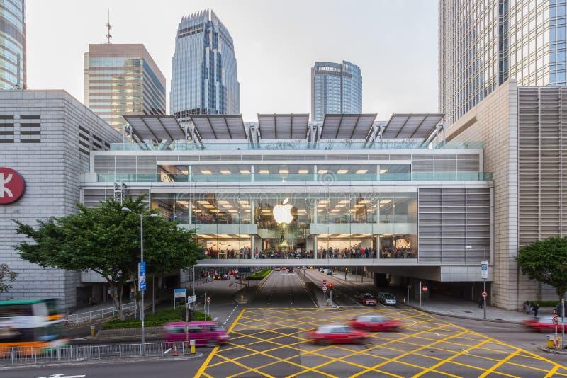Hong Kong: Dec 28, 2015: Apple Store, centrala, Hong Kong MTR staci IFC centrum handlowego gałąź w Hong Kong Pierwszy Apple Store zdjęcie stock