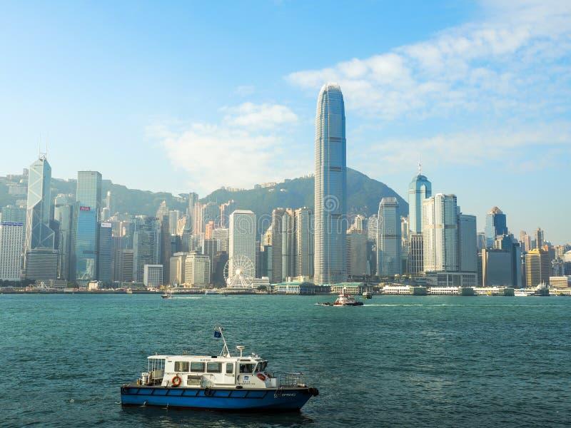 HONG KONG - 10. DEZEMBER: Ansicht von Hong- Konginsel an am 10. Dezember 2016, in Hong Kong Die Wolkenkratzer von Hong Kong sind  lizenzfreie stockbilder