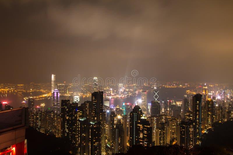 HONG KONG - Feburary 27.2016: Nachtansicht von Victoria Peak lizenzfreie stockfotografie