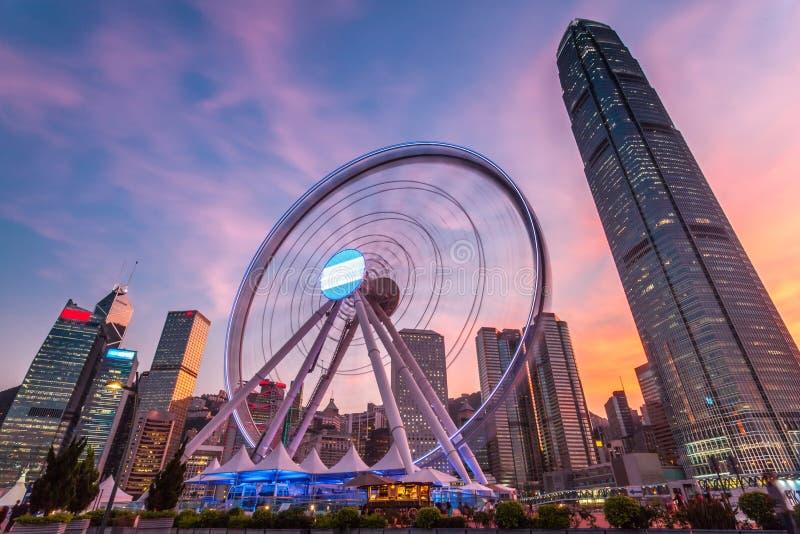Hong Kong Ferris Wheel en puesta del sol foto de archivo libre de regalías