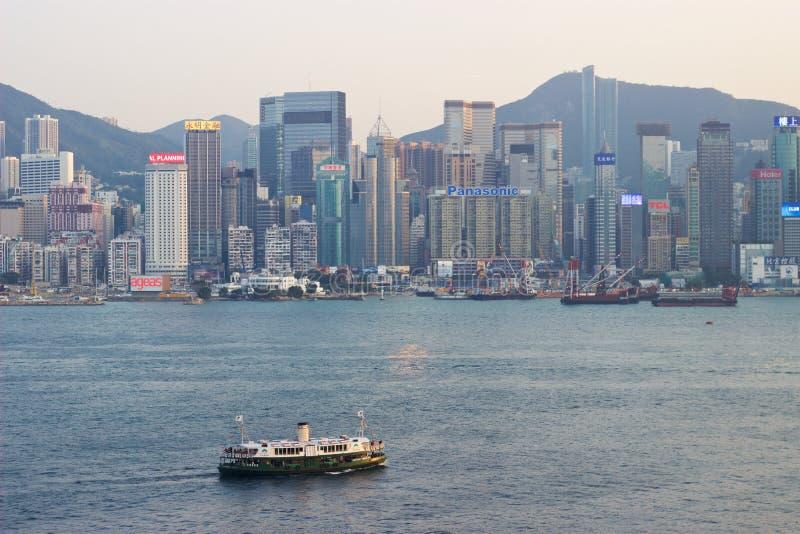 Hong Kong : Ferry d'étoile entre Hong Kong Island, Kowloon image stock