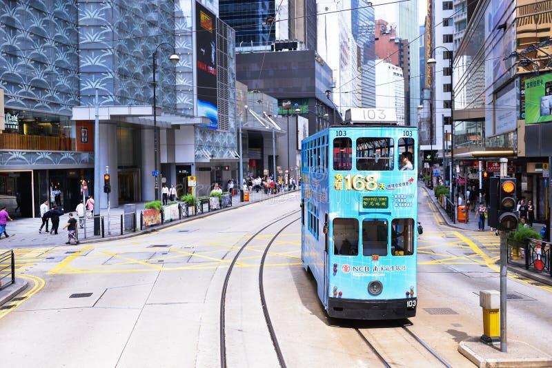 HONG KONG - 8 GIUGNO: Trasporto pubblico sulla via l'8 giugno, fotografia stock