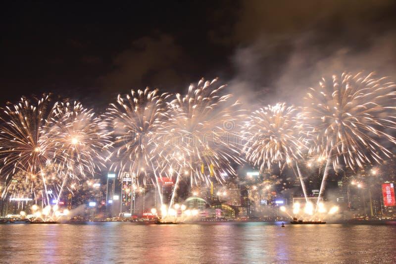 Hong Kong: Het Chinese Nieuwjaarvuurwerk toont 2016 stock fotografie