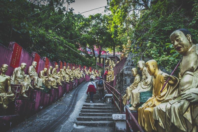 Hong Kong, im November 2018 - Zehntausend Buddhas-Kloster-Mann fettes Sze lizenzfreie stockfotografie