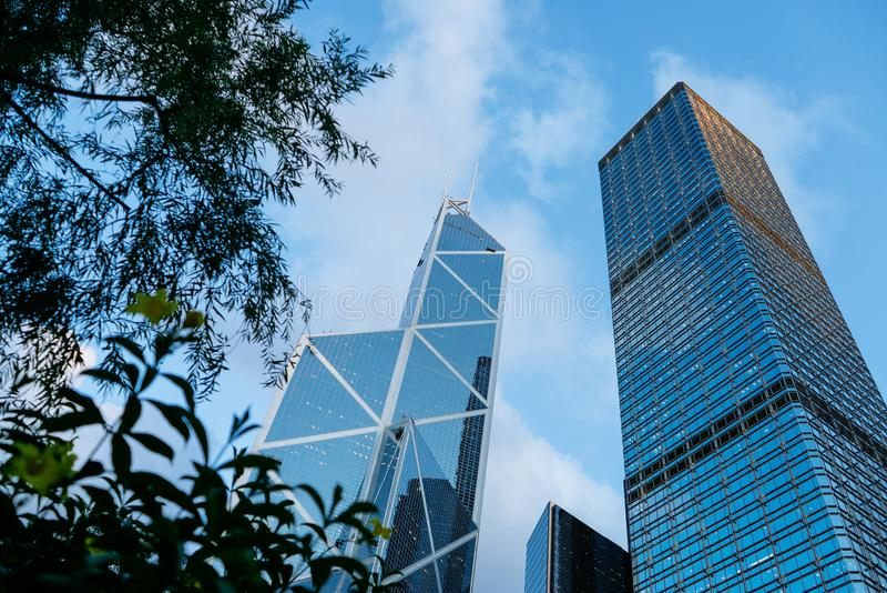 HONG KONG - JUNI 26, 2015: Moderne Gebouwen in Hong Kong, Wolkenkrabbers stock foto's