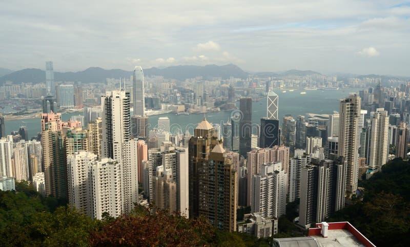 12/21/2015 Hong Kong, Kina En sikt från Hong Kong Across Victoria Harbour till Kowloon, Kina royaltyfria bilder