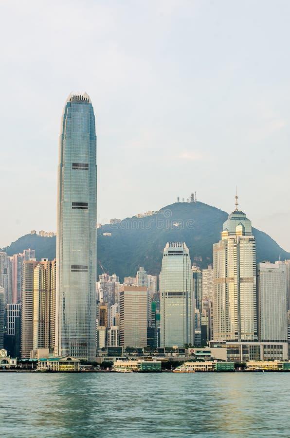 Hong Kong Kina från den Kowloon sidan across från Victor Harbor arkivfoton