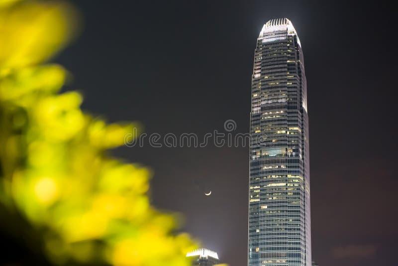 Hong Kong - 30 Kwiecień, 2017 - finanse międzynarodowi Centre IFC w jasnej nocy obrazy stock