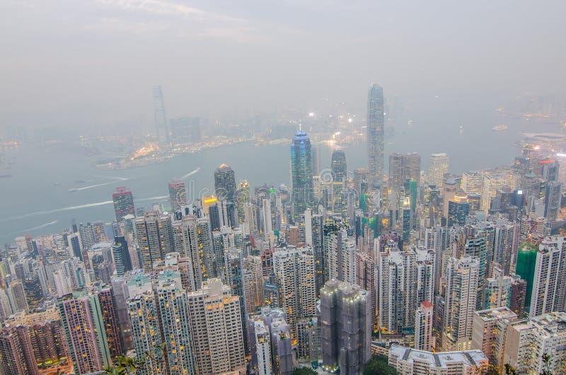 Hong Kong le scene, porto di Victoria dal punto di vista di punta dell'uccello fotografia stock libera da diritti