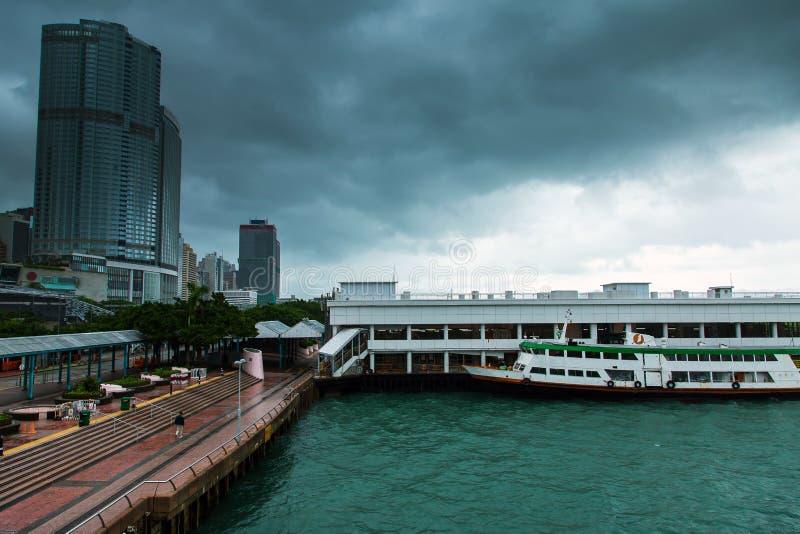 Hong Kong linia horyzontu Kowloon od Fei Ngo shanu wzgórza zmierzchu fotografia royalty free