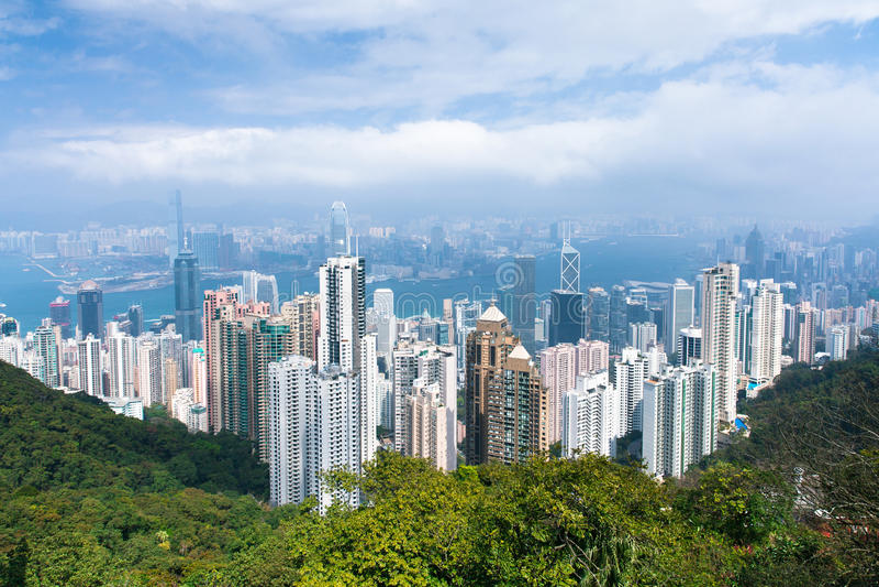 Hong Kong linia horyzontu od Wiktoria szczytu w dniu zdjęcie royalty free