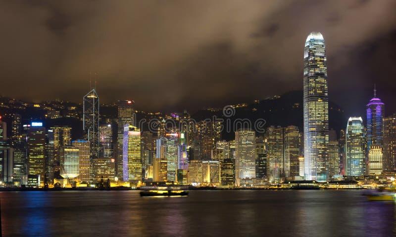 Hong Kong linia horyzontu przy nocą fotografia royalty free