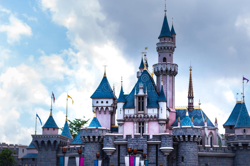 HONG KONG - MEI 08: Big Castle at Disneyland Hong Kong on MEI 08.2012 in China. stock image