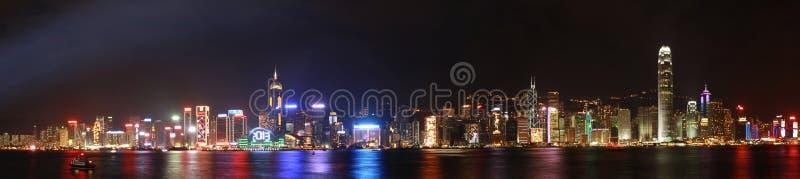 Hong Kong nattpanorama fotografering för bildbyråer