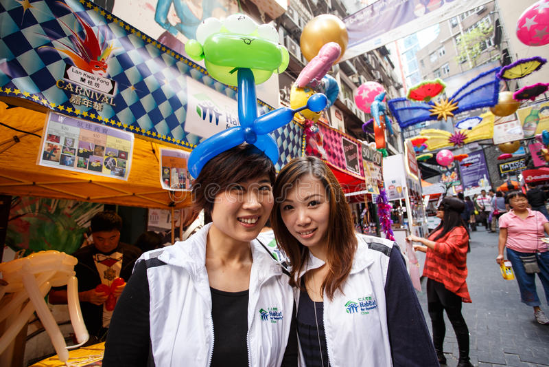 HONG KONG - NOVEMBER 26 2013: Bezige LKF (Lan Kwai Fong Festiv stock foto's