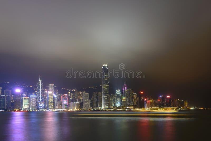 HONG KONG - 19 NOVEMBRE 2017: Scena di notte dell'orizzonte di Hong Kong fotografia stock