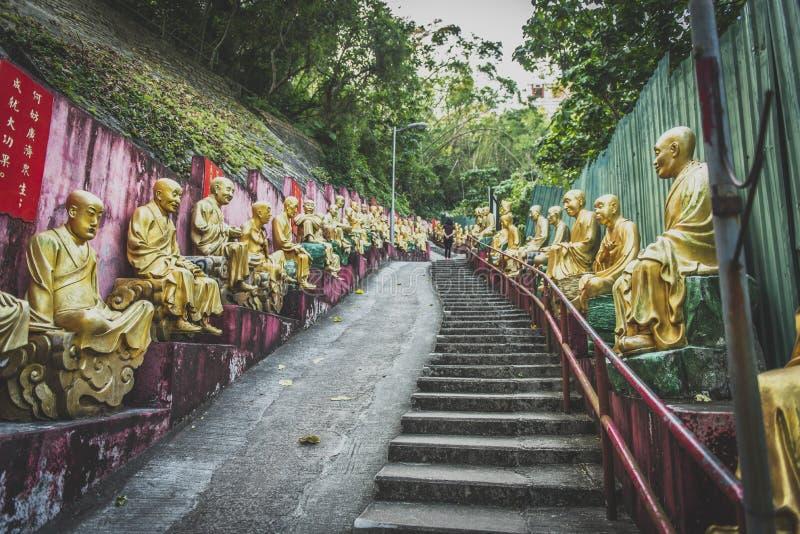 Hong Kong, noviembre de 2018 - hombre Sze gordo del monasterio de Buddhas de los diez milésimos foto de archivo