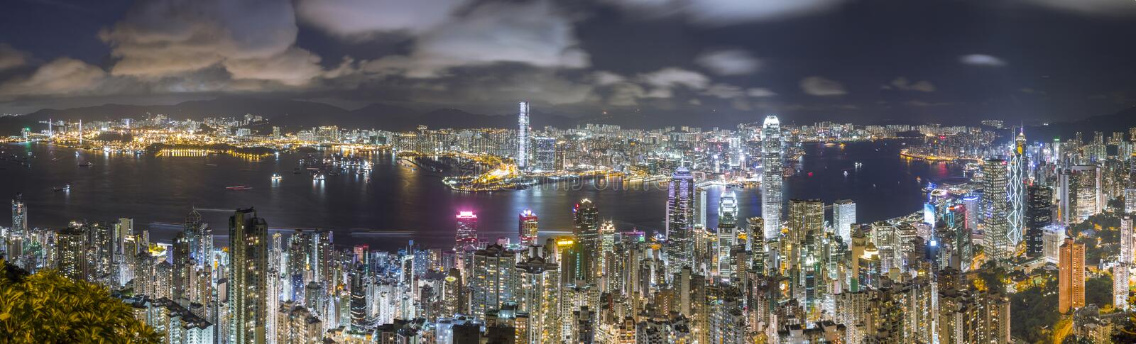 Hong Kong Panorama Skyline na noite, vista do pico imagem de stock royalty free