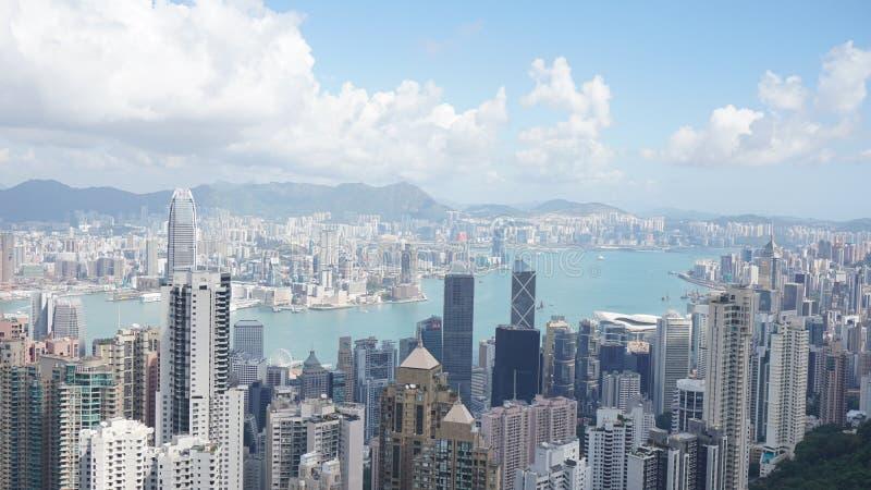 Download Hong kong peak εκδοτική εικόνα. εικόνα από ουρανοί, ουρανός - 105453500