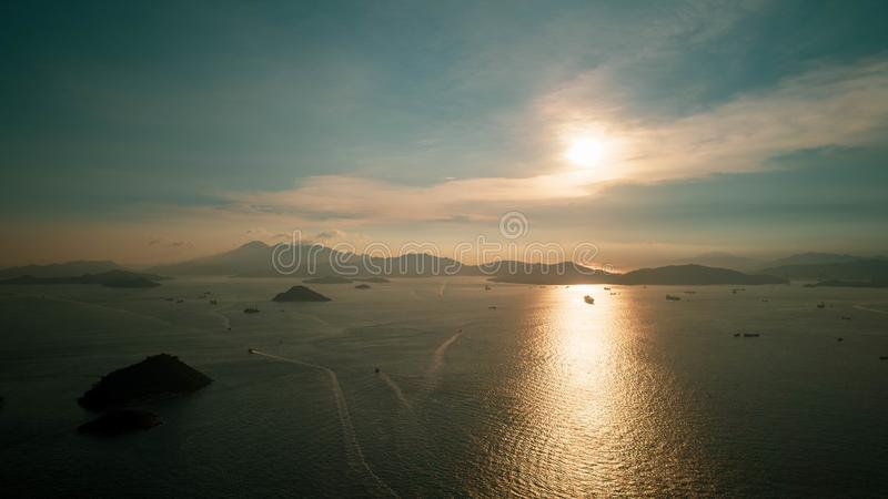 Hong Kong, pilastro occidentale, tempo di tramonto fotografie stock