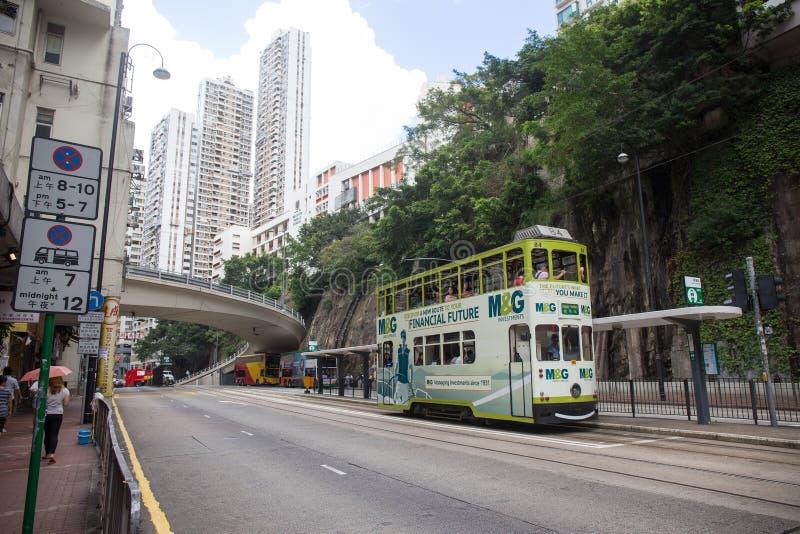 Hong Kong S a r - 13 luglio 2017: Tram o Ding Din del doppio ponte immagini stock libere da diritti