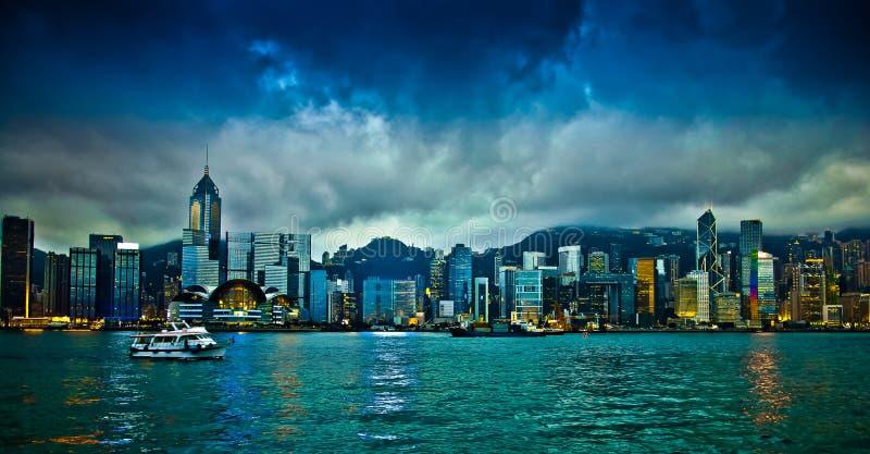 Hong Kong Skylight på skymninglandskapet royaltyfri bild