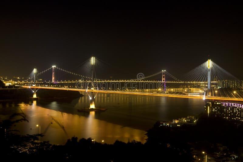 Hong Kong Tsing Ma Bridge bekijkt nigh stock fotografie