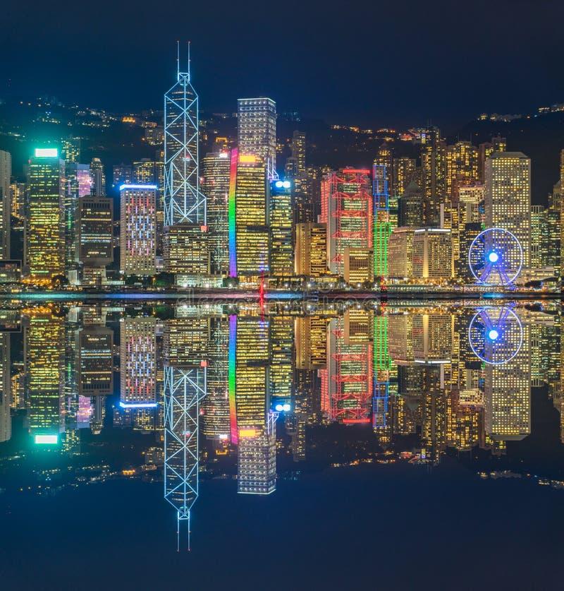 Hong Kong victoria panorama på natten arkivfoto