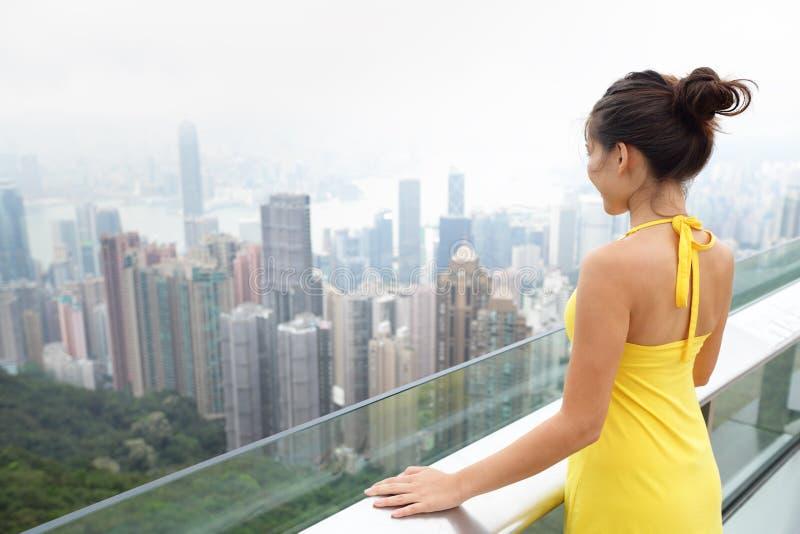 Hong Kong Wiktoria szczytu Azjatycka turystyczna kobieta zdjęcia stock
